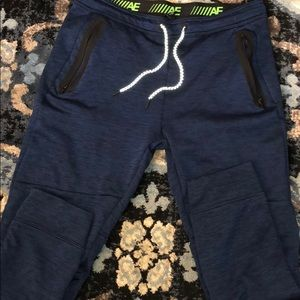 AE Large Joggers